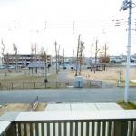 目の前が公園なので陽当り良好!お子様も安心して遊べます!